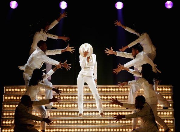 Back To Basics - Album Title「Christina Aguilera Plays Wembley Arena」:写真・画像(17)[壁紙.com]