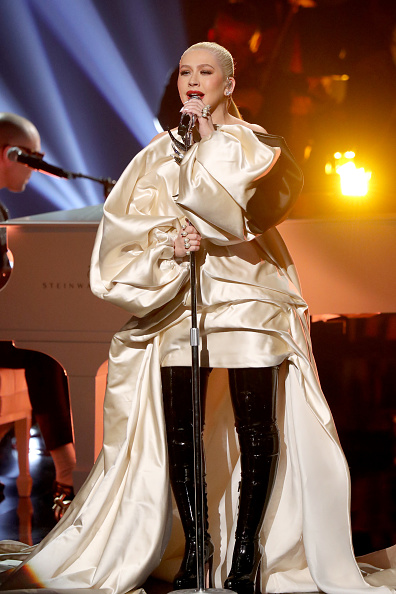 Champagne Colored「2019 American Music Awards - Fixed Show」:写真・画像(12)[壁紙.com]