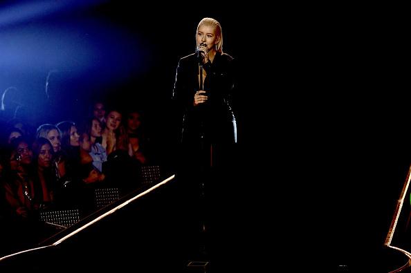 クリスティーナ・アギレラ「2017 American Music Awards - Show」:写真・画像(5)[壁紙.com]