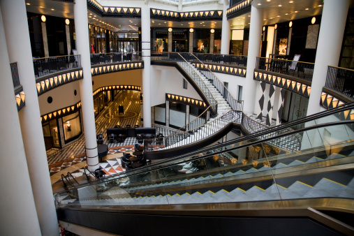 Escalator「Atrium of a mall with multiple stairs and escalators」:スマホ壁紙(16)