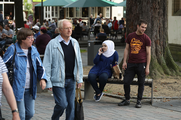 リラクゼーション「In Goslar, Refugees Have Become Part Of The Town Fabric」:写真・画像(2)[壁紙.com]