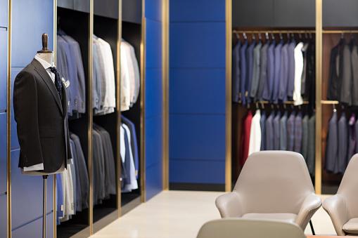 Formalwear「Young couple shopping in a men's wear store」:スマホ壁紙(12)