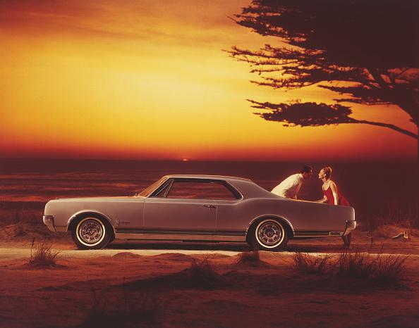 Dusk「Oldsmobile Starfire」:写真・画像(18)[壁紙.com]