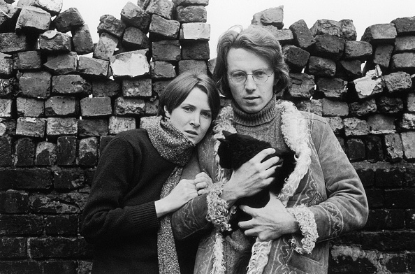 Brick Wall「Typical Couple」:写真・画像(1)[壁紙.com]