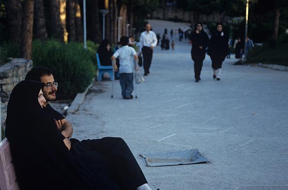 Kaveh Kazemi「Park Benchers」:写真・画像(16)[壁紙.com]