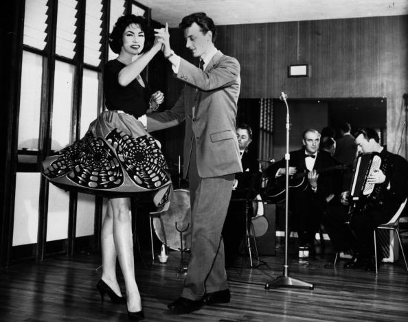 Dance Floor「Model Dancing」:写真・画像(14)[壁紙.com]