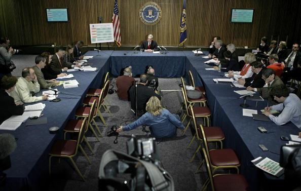 Dresser「Justice Dept Finds FBI Abuse Of Patriot Act Provision」:写真・画像(19)[壁紙.com]