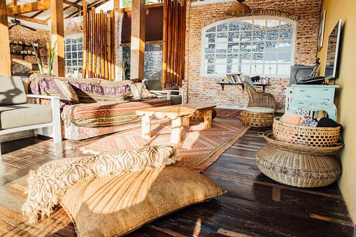 バリ島「Indonesia, Bali, living room in a holiday villa」:スマホ壁紙(1)