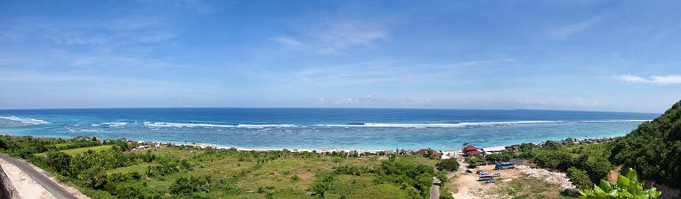 バリ島「Indonesia, Bali, Pantai Berawa beach, Panoramic view of beach with horizon over water」:スマホ壁紙(1)