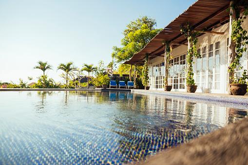 Resort「Indonesia, Bali, holiday villa with swimming pool」:スマホ壁紙(8)