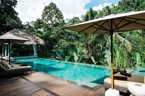 プール「Indonesia, Bali, tropical swimming pool」:スマホ壁紙(18)