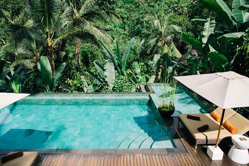 プール「Indonesia, Bali, tropical swimming pool」:スマホ壁紙(9)