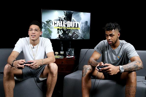 バスケットボール「Pro Basketball Players D'Angelo Russell And Devin Booker Play 'Call Of Duty: Infinite Warfare Continuum DLC' At Infinity Ward」:写真・画像(17)[壁紙.com]