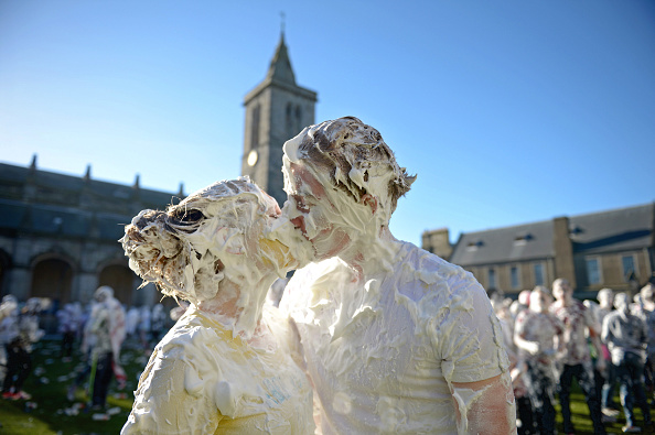 Jeff J Mitchell「Students Celebrate Raisin Monday At St Andrew's University」:写真・画像(2)[壁紙.com]