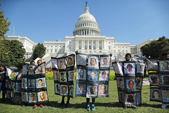 警戒「Rally To End Gun Violence Held At The U.S. Capitol」:写真・画像(11)[壁紙.com]
