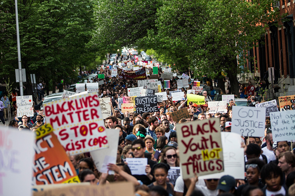 Chanting「Tensions In Baltimore Continue To Simmer After Days Of Riots And Protests Over Death Of Freddie Gray」:写真・画像(1)[壁紙.com]