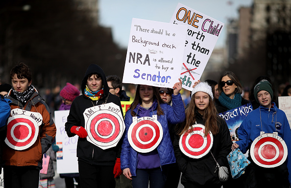 Washington DC「Hundreds Of Thousands Attend March For Our Lives In Washington DC」:写真・画像(8)[壁紙.com]