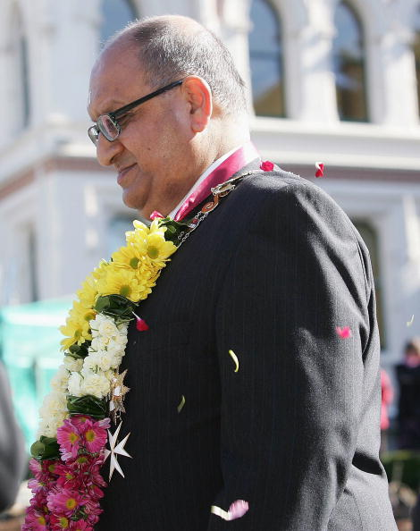 Sprinkling「Anand Satyanand Sworn In As Governor」:写真・画像(13)[壁紙.com]