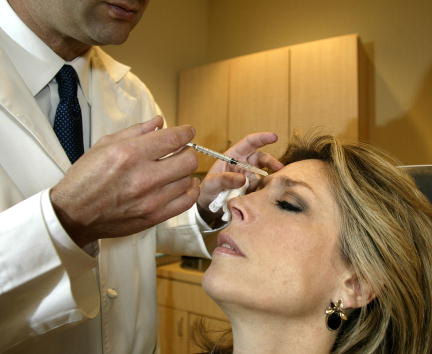 Wrinkled「FDA Approves Cosmetic Use of Botox」:写真・画像(6)[壁紙.com]