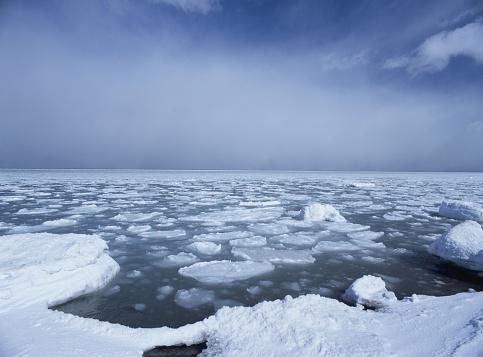 Drift Ice「Drift Ice and the Sea in Hokkaido, Japan」:スマホ壁紙(8)