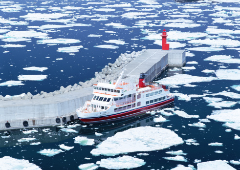 Drift Ice「Drift ice and ice breaking ship」:スマホ壁紙(5)
