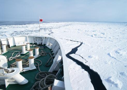 Ice-breaker「Drift ice and ice breaking ship」:スマホ壁紙(3)