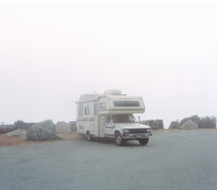 Solitude「Parked camper van」:スマホ壁紙(0)