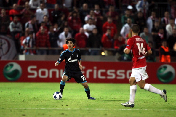Atsuto Uchida「UEFA Champions League Sony Ericsson 2010/11」:写真・画像(4)[壁紙.com]