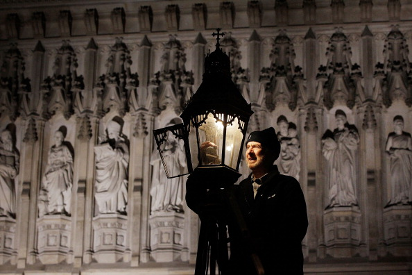 Electric Lamp「Martin Caulfield Services Some Of The Last Remaining Gas Street Lamps In The Capital」:写真・画像(6)[壁紙.com]
