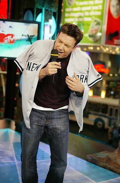MTV Times Square Studios「MTV TRL with Ben Affleck, Liv Tyler, Angelina Jolie And More」:写真・画像(15)[壁紙.com]