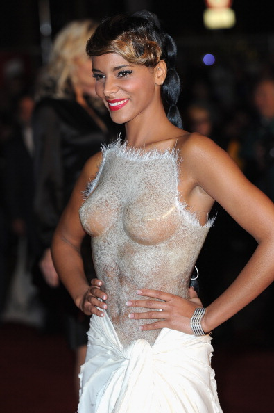 Transparent「NRJ Music Awards 2012 - Red Carpet Arrivals」:写真・画像(0)[壁紙.com]