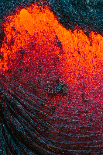 Hawaii Islands「Extreme close-up of Lava Flow on a mountain, Hawaii, America, USA」:スマホ壁紙(2)