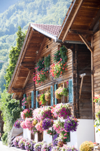Chalet「Chalet with flowers and window boxes」:スマホ壁紙(2)