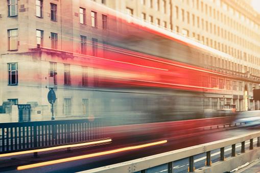 乗り物・交通「夕暮れ時ウォータールー ブリッジで備えたデッカー光の道」:スマホ壁紙(5)
