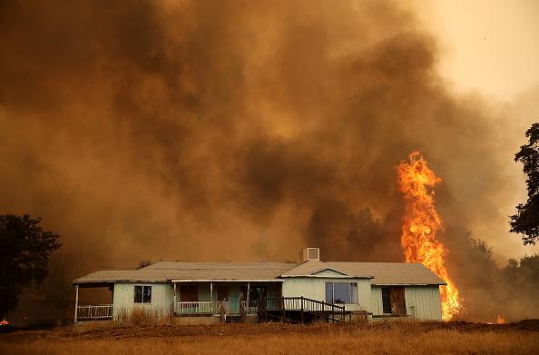 USA「Detwiler Fire Spreading Rapidly Threatens Historic Town Mariposa」:写真・画像(9)[壁紙.com]