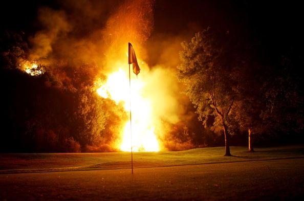 Environmental Damage「Wildfire Threatens Burbank, California」:写真・画像(12)[壁紙.com]