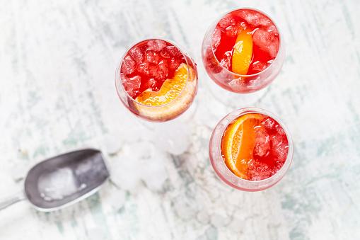 Prosecco「Spritz, bitter liqueur, prosecco wine, sparkling mineral water and orange slice」:スマホ壁紙(10)