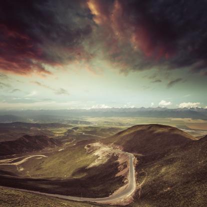 Himalayas「winding road in the mountain」:スマホ壁紙(11)
