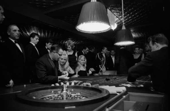 Knightsbridge「Sporting Club Gambling Rooms」:写真・画像(11)[壁紙.com]