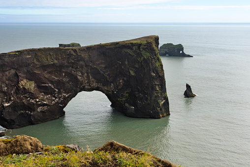Dyrholaey「Rock arch at Dyrholaey, Vik, Iceland」:スマホ壁紙(14)