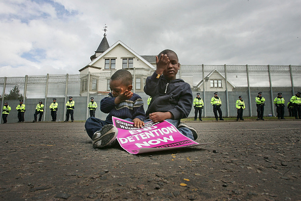 Refugee「Demonstration Takes Place At Dungavel Detention Centre」:写真・画像(9)[壁紙.com]