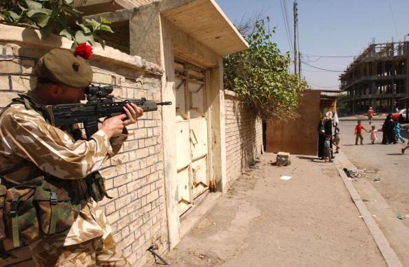 Marco Di Lauro「British Troops Living In Basrah」:写真・画像(14)[壁紙.com]