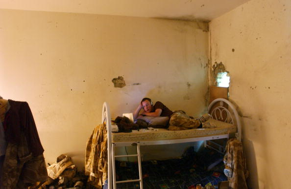 Bedroom「British Troops Living In Basrah」:写真・画像(13)[壁紙.com]