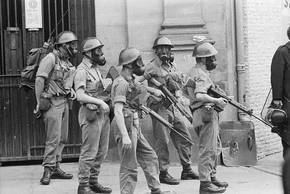 Problems「British Troops In Riot Gear」:写真・画像(3)[壁紙.com]