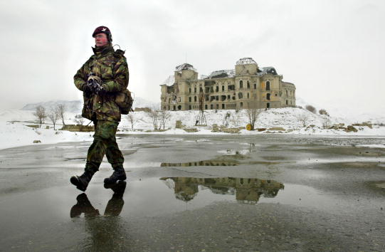 Paula Bronstein「International Troops Patrol the Streets of Kabul」:写真・画像(13)[壁紙.com]