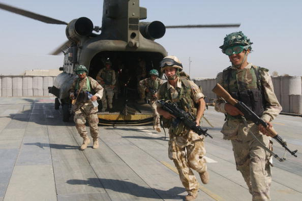 CH-47 Chinook「British Troops In Iraq」:写真・画像(16)[壁紙.com]