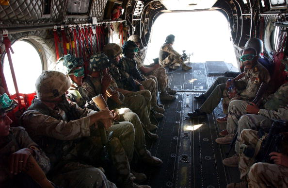 CH-47 Chinook「British Troops In Iraq」:写真・画像(19)[壁紙.com]