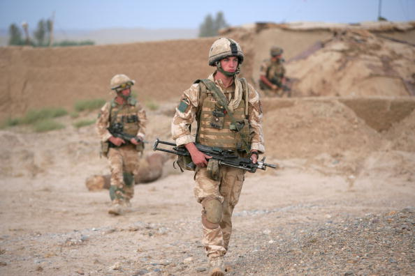 Marco Di Lauro「British Paratroopers Conduct Operation 'Southern Beast' In Afghanistan」:写真・画像(2)[壁紙.com]