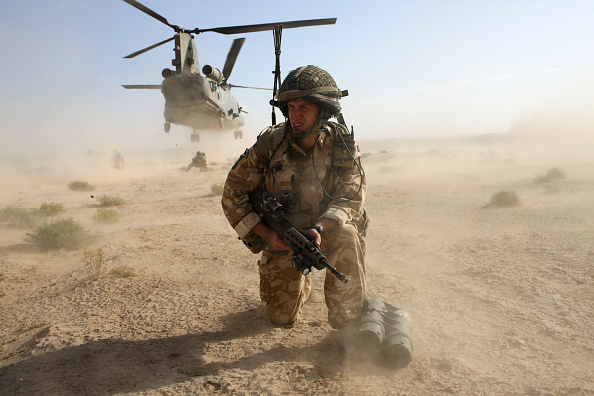 British Military「British Paratroopers Conduct Operation 'Southern Beast' In Afghanistan」:写真・画像(8)[壁紙.com]
