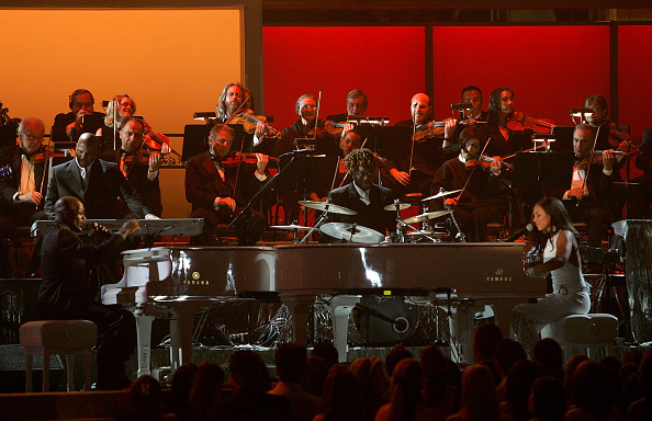 Strap「The 47th Annual Grammy Awards - Show」:写真・画像(14)[壁紙.com]